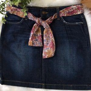 Tommy Hilfiger jean skirt Size 4 NWOT